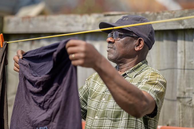 Hanging up washing
